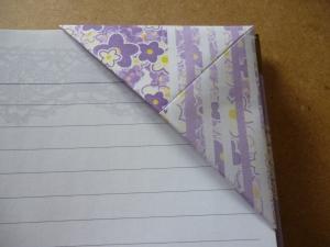 Triangular corner bookmark